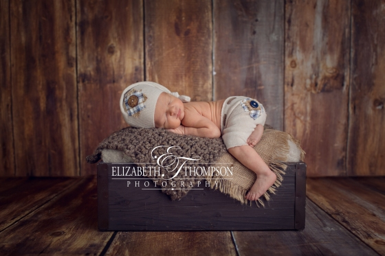 newborn and maternity photographer clarksville and Nashville tn